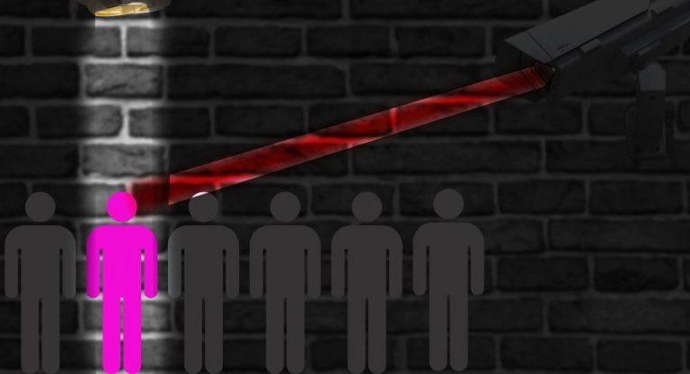 Сноуден: пандемія закінчиться, а стеження за населенням залишиться